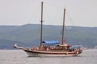 Yacht cruise